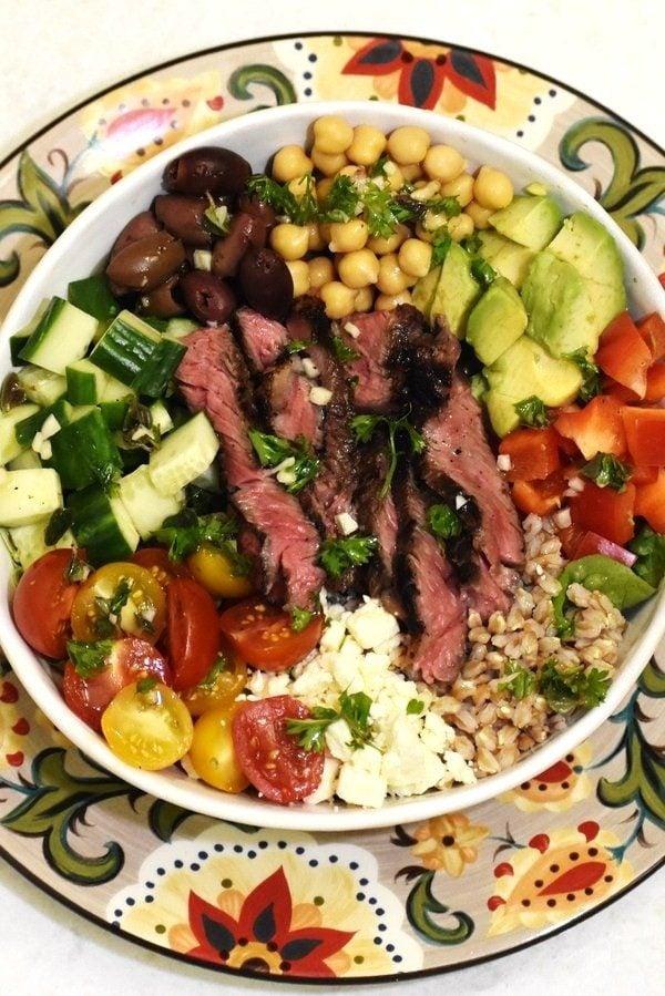 The 40 plus best Mediterranean recipes - Greek steak salad bowl