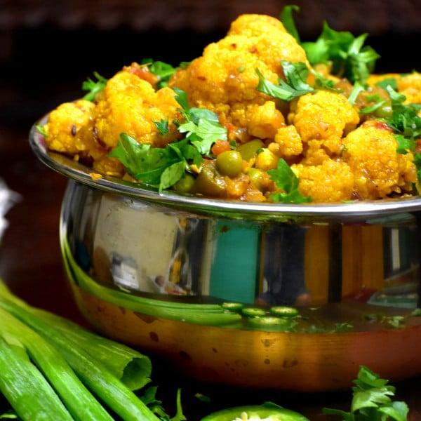 Cauliflower Peas Masala (Gobi Matar)