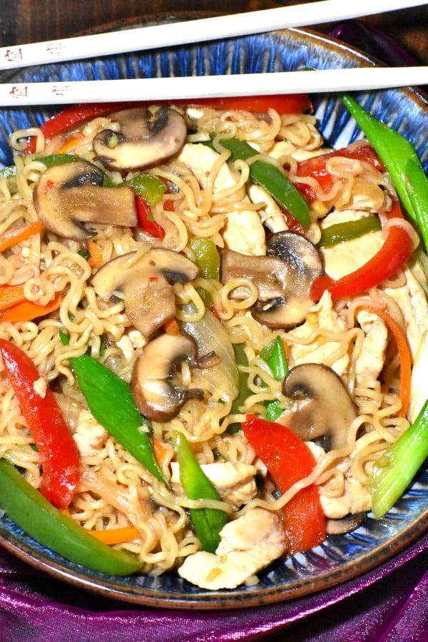 The 30 BEST Easy Weeknight Dinners - ramen stir fry.