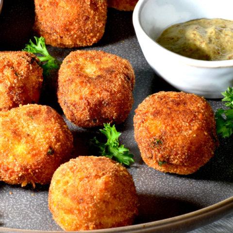 featured image for german sauerkraut balls post