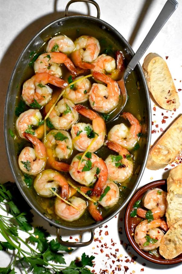 The 40 BEST Easy Dinner Recipes - Gambas al ajillo.