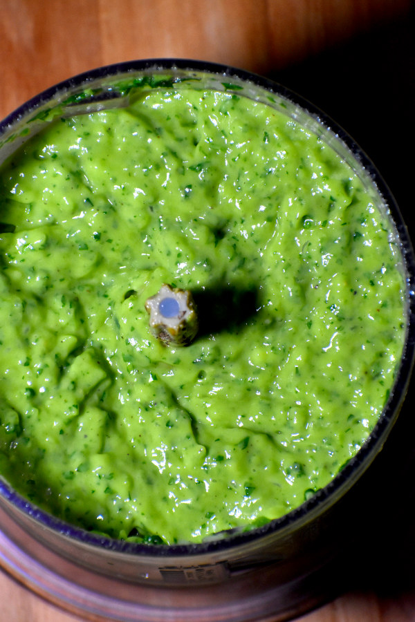 overhead picture of blended guasacaca in a blender
