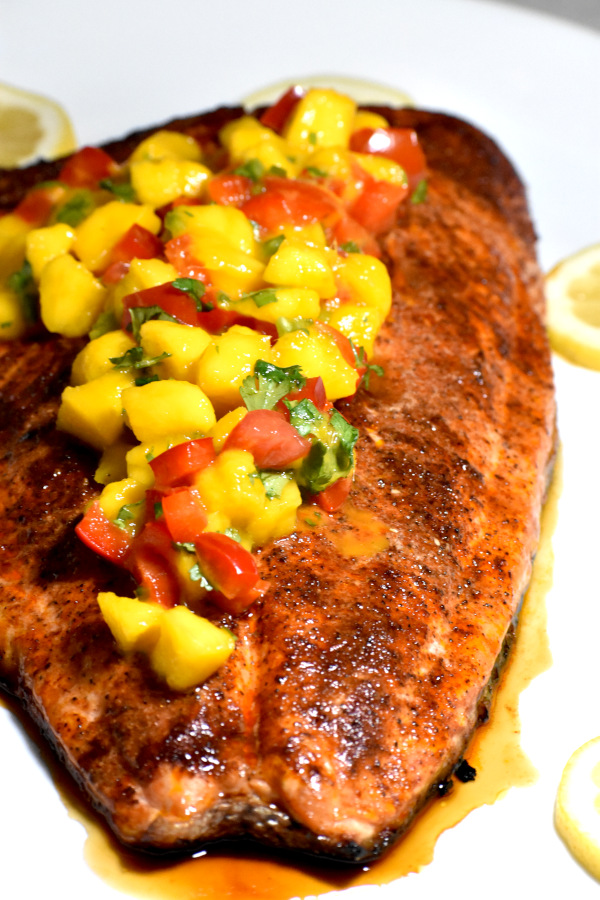 The 30 BEST Easy Weeknight Dinners - salmon with mango salsa.