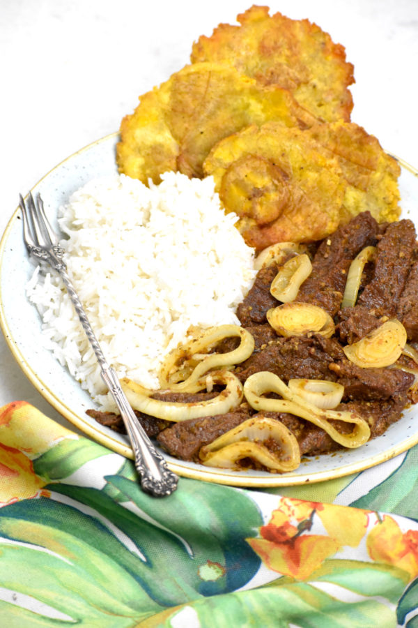 Side view of our plate of bistec encebollado.