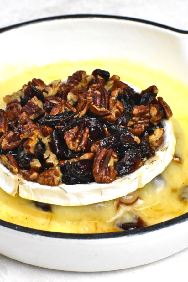 Side view of the baked brie.