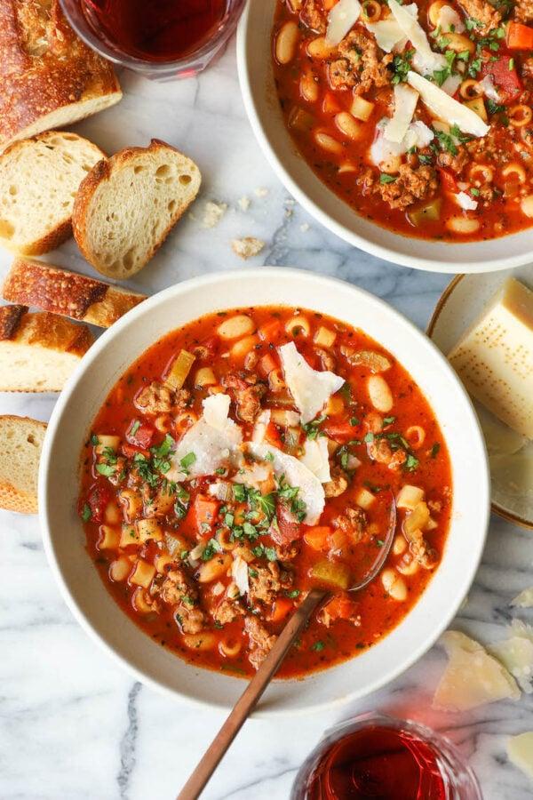 The 35 BEST Crockpot Soup Recipes - Pasta e fagioli.