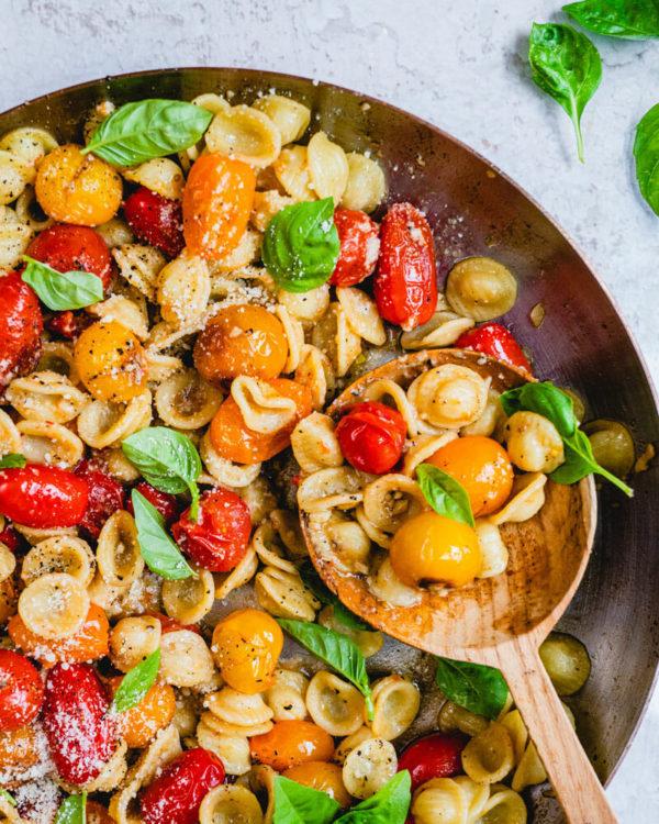 The 25 BEST Cherry Tomato Recipes - Cherry tomato pasta.