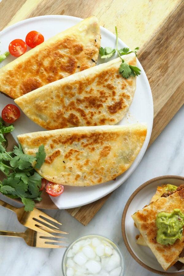 The 30+ BEST Ground Chicken Recipes - Quesadillas.
