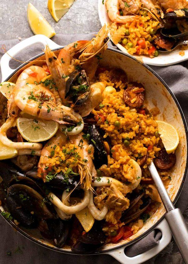 The 40 plus best Mediterranean recipes - Paella.