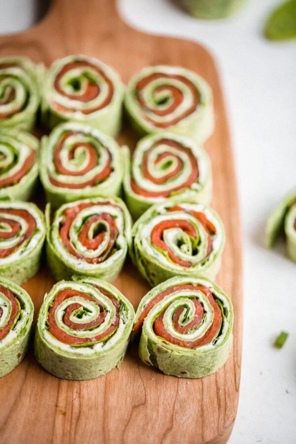 40 BEST Potluck Recipe Ideas - smoked salmon pinwheels.