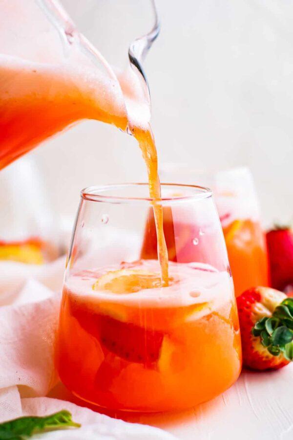 40 BEST Potluck Recipe Ideas - strawberry lemonade.