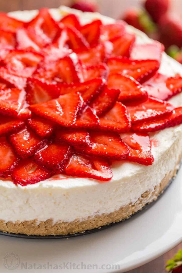 The 35 BEST Cheesecake Recipes - no bake strawberry.