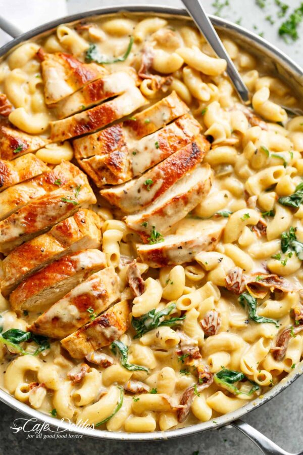The 30 BEST One Pot Meals - Tuscan chicken mac and cheese.