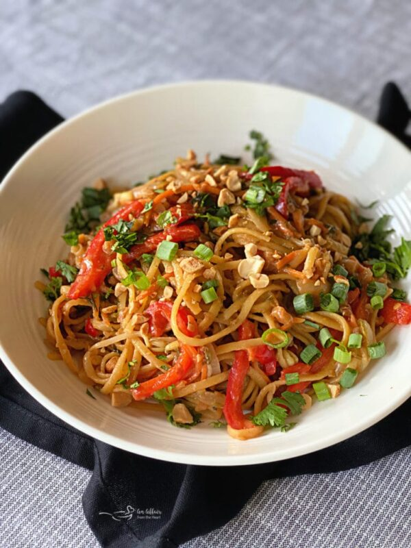 The 30 BEST One Pot Meals - shrimp pad thai.