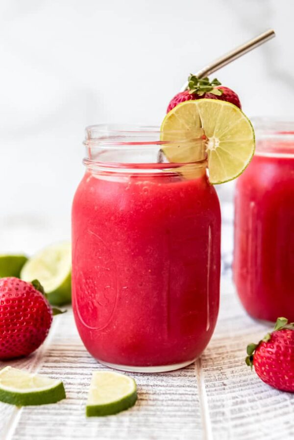 The 30 BEST Mocktail Recipes - strawberry daiqueri.