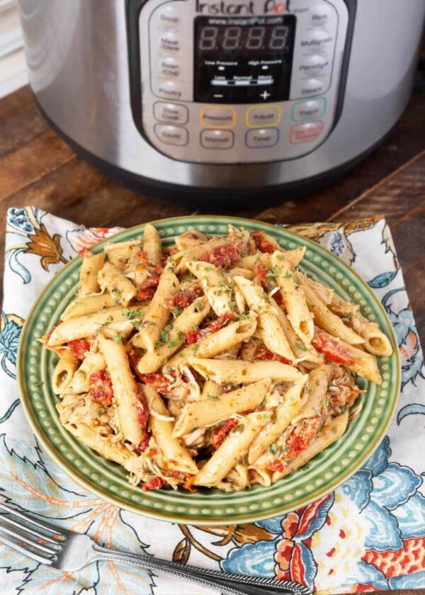 The 20 BEST Canned Chicken Recipes - pesto pasta.