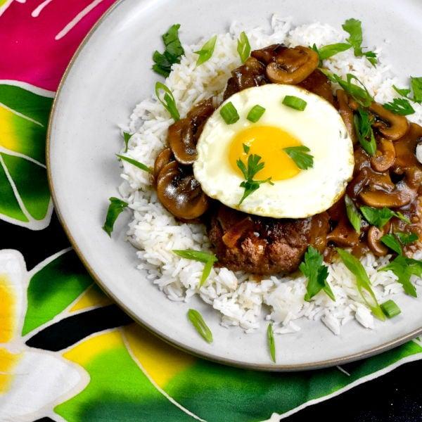 Loco Moco (Hawaiian Beef Patty with Gravy)